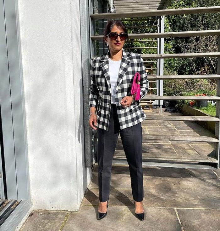 How to fit a blazer - Monika in a check blazer | 40plusstyle.com