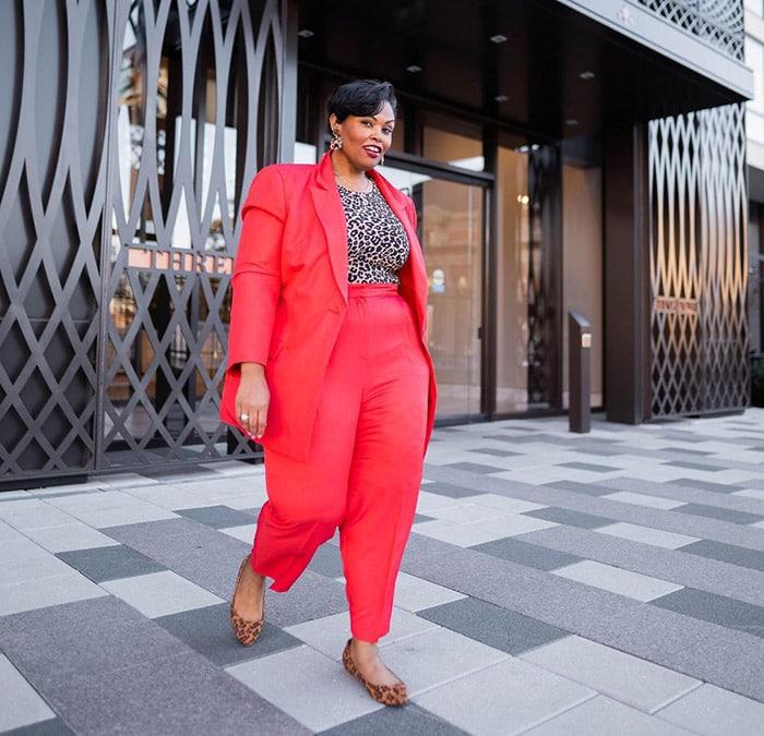 How to fit a blazer - Sherra in a red blazer | 40plusstyle.com