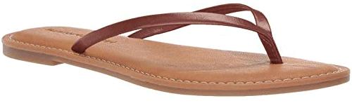 Amazon Essentials Thong Sandal | 40plusstyle.com