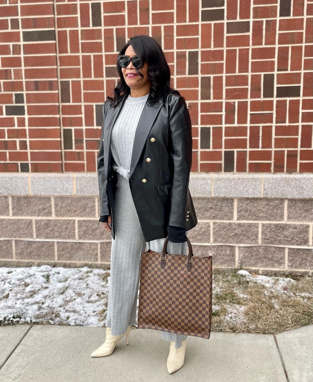 How to wear gray: Color palettes and ensembles for you to choose from!   40plusstyle.com