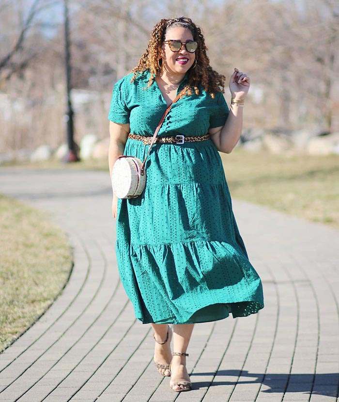 How to wear green - Sandra in a green dress | 40plusstyle.com