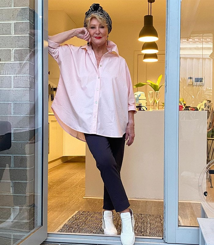 how to style an oversized shirt for a flattering silhouette