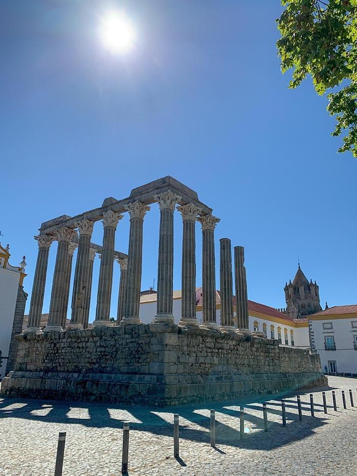 Restos romanos en Évora, Portugal |  40plusstyle.com