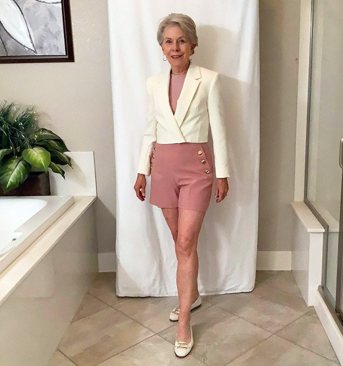 Eileen wears pink shorts and a blazer | 40plusstyle.com