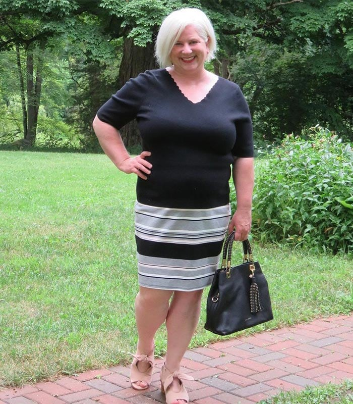 How to dress if you have a large bust - Julie wears a v-neck top   40plusstyle.com