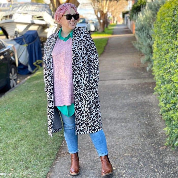 Kimba wears a leopard print coat | 40plusstyle.com
