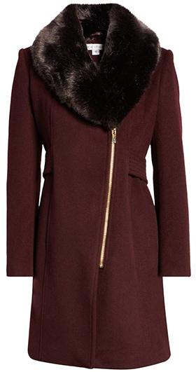 Via Spiga asymmetrical wool coat with faux fur collar | 40plusstyle.com