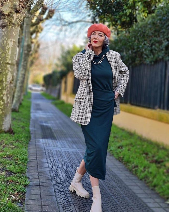 Best winter boots for women - Carmen wears lug sole boots   40plusstyle.com