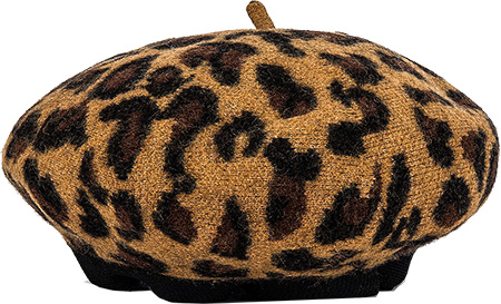 Revolve Boina hat | 40plusstyle.com