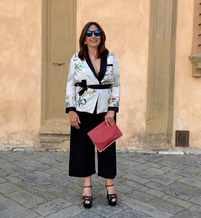 How to hide a belly - Rita wears a kimono jacket | 40plusstyle.com