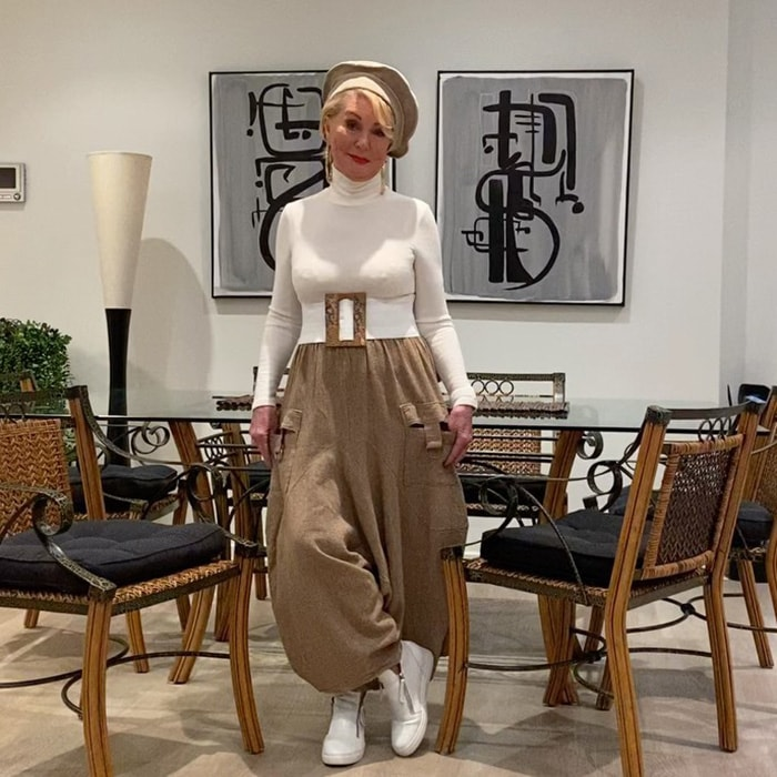 Sharryn matches her hat to her pants | 40plusstyle.com