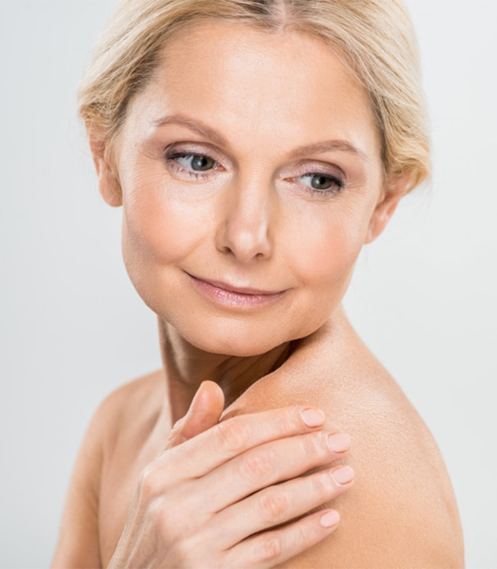 What is the best foundation for mature skin? Discover all the best foundations
