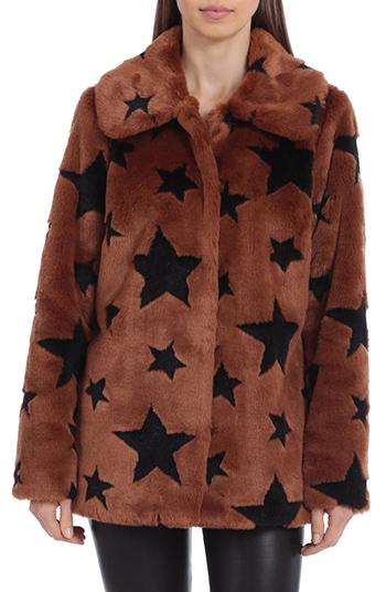 Winteroutfits zum Ausgehen - Mit Les Filles Star Print Faux Fur Coat |  40plusstyle.com